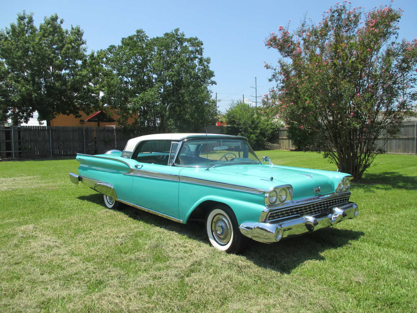 1st Image of a 1959 FORD SKYLINER