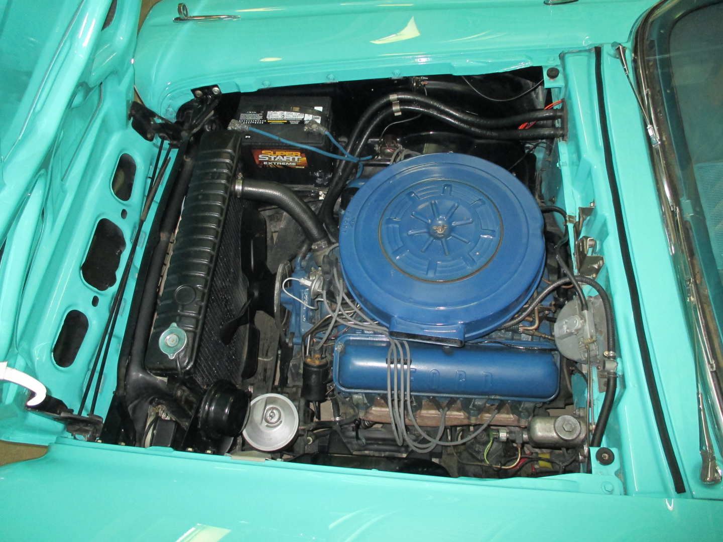 2nd Image of a 1959 FORD SKYLINER