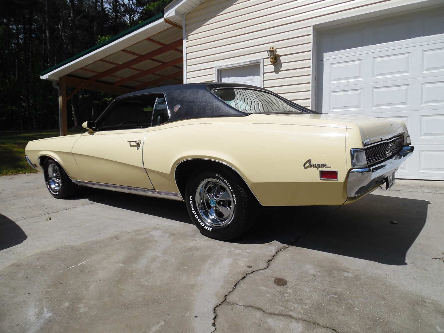 2nd Image of a 1970 MERCURY COUGAR XR7