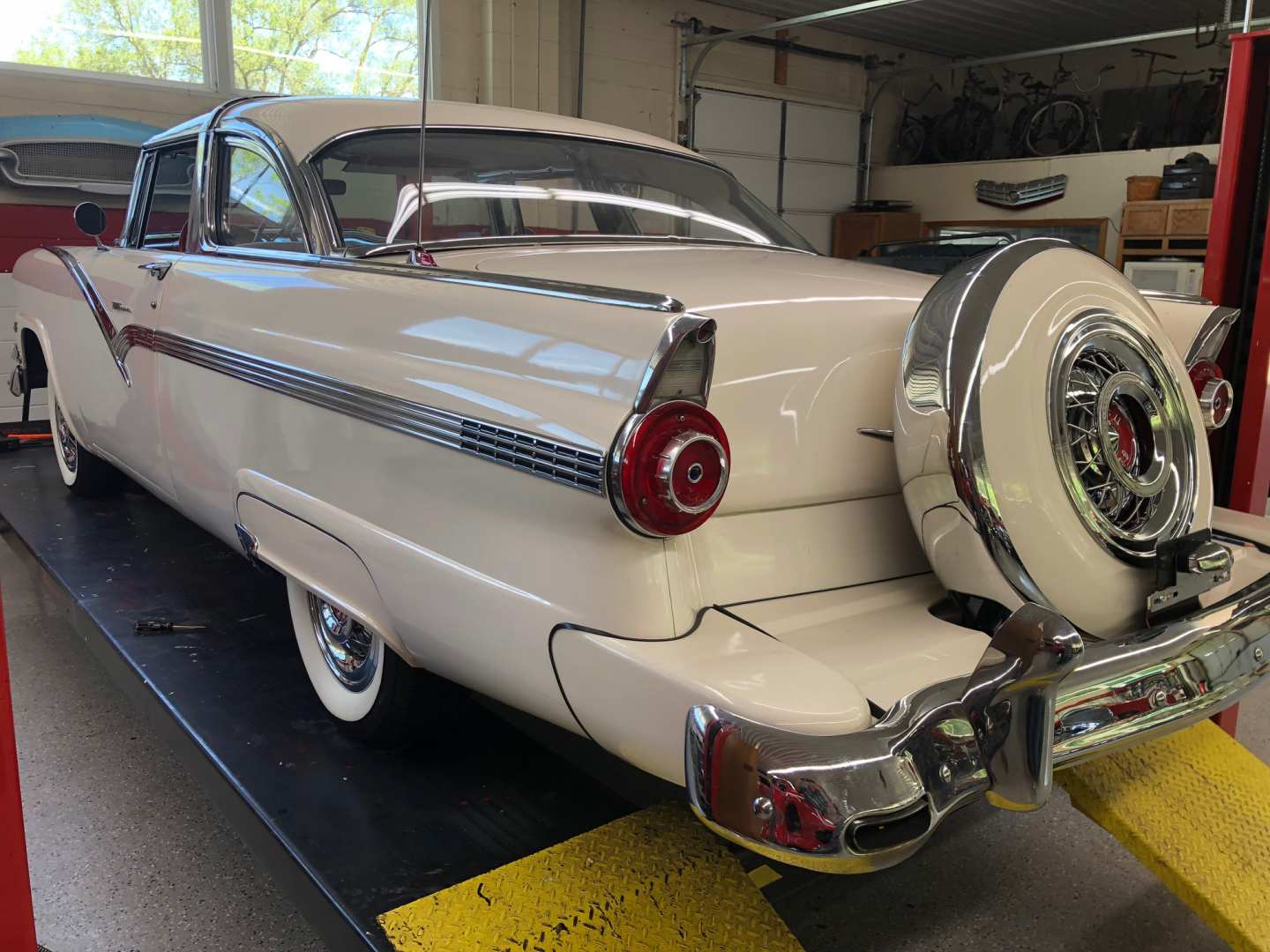 3rd Image of a 1956 FORD CROWN VICTORIA