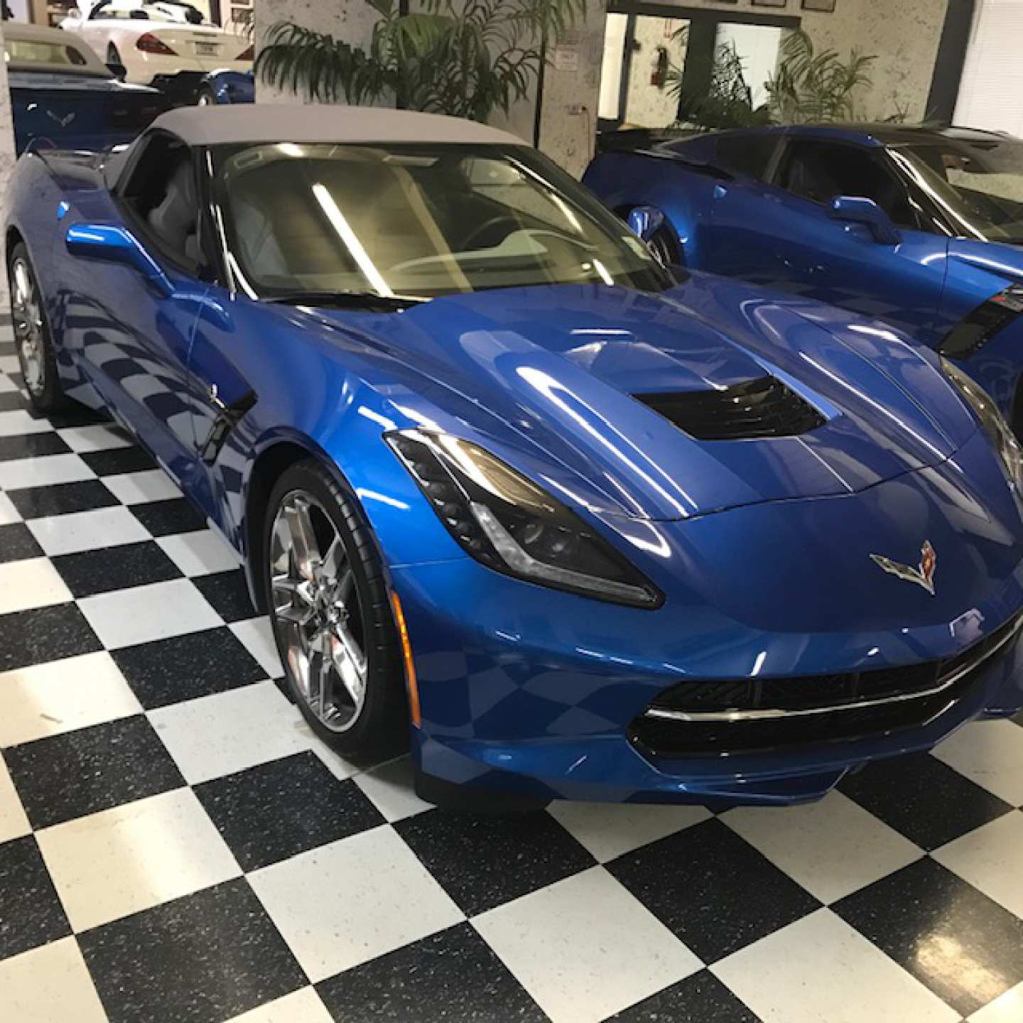 3rd Image of a 2014 CHEVROLET CORVETTE STINGRAY Z51 3LT
