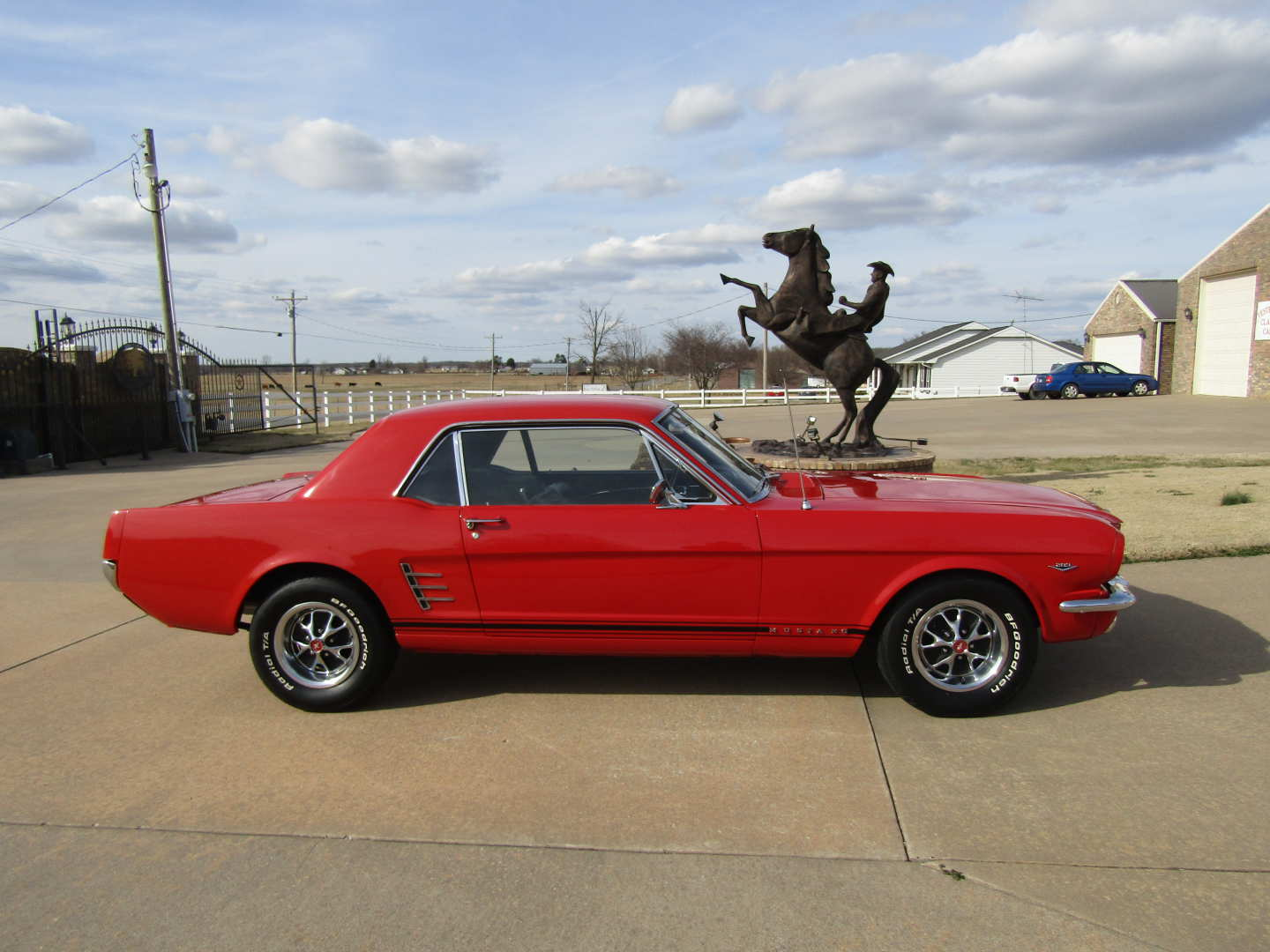 11th Image of a 1966 FORD MUSTANG