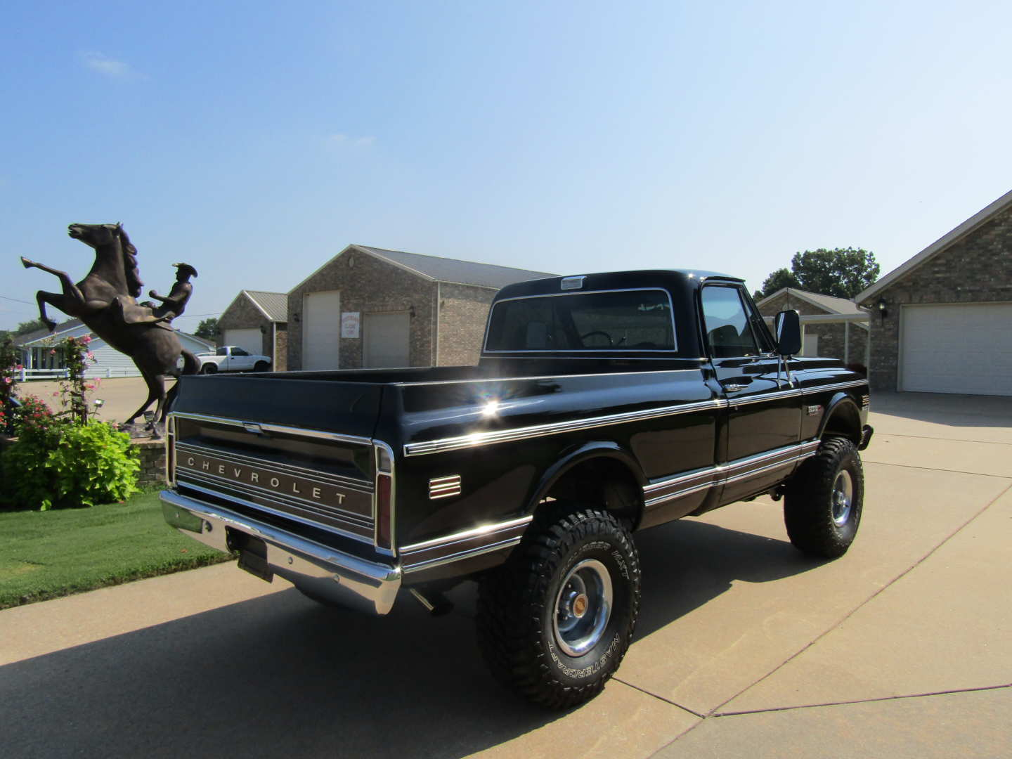 4th Image of a 1972 CHEVROLET CHEYENNE SUPER