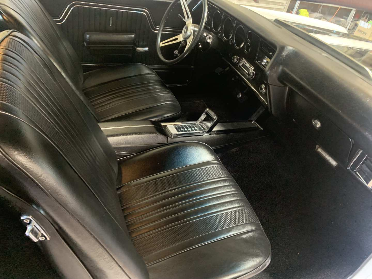 2nd Image of a 1970 CHEVROLET MALIBU CHEVELLE
