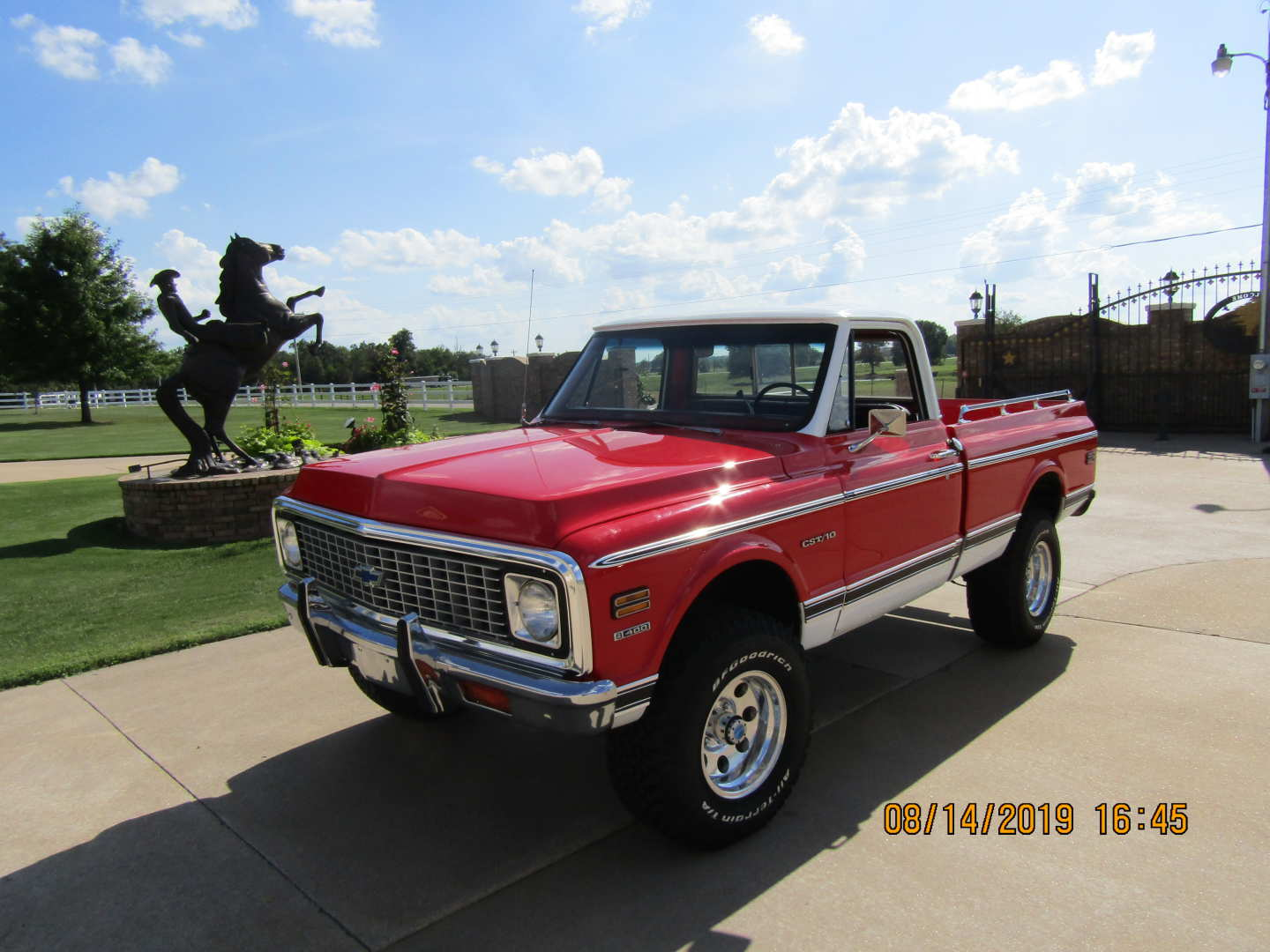 3rd Image of a 1972 CHEVROLET CST