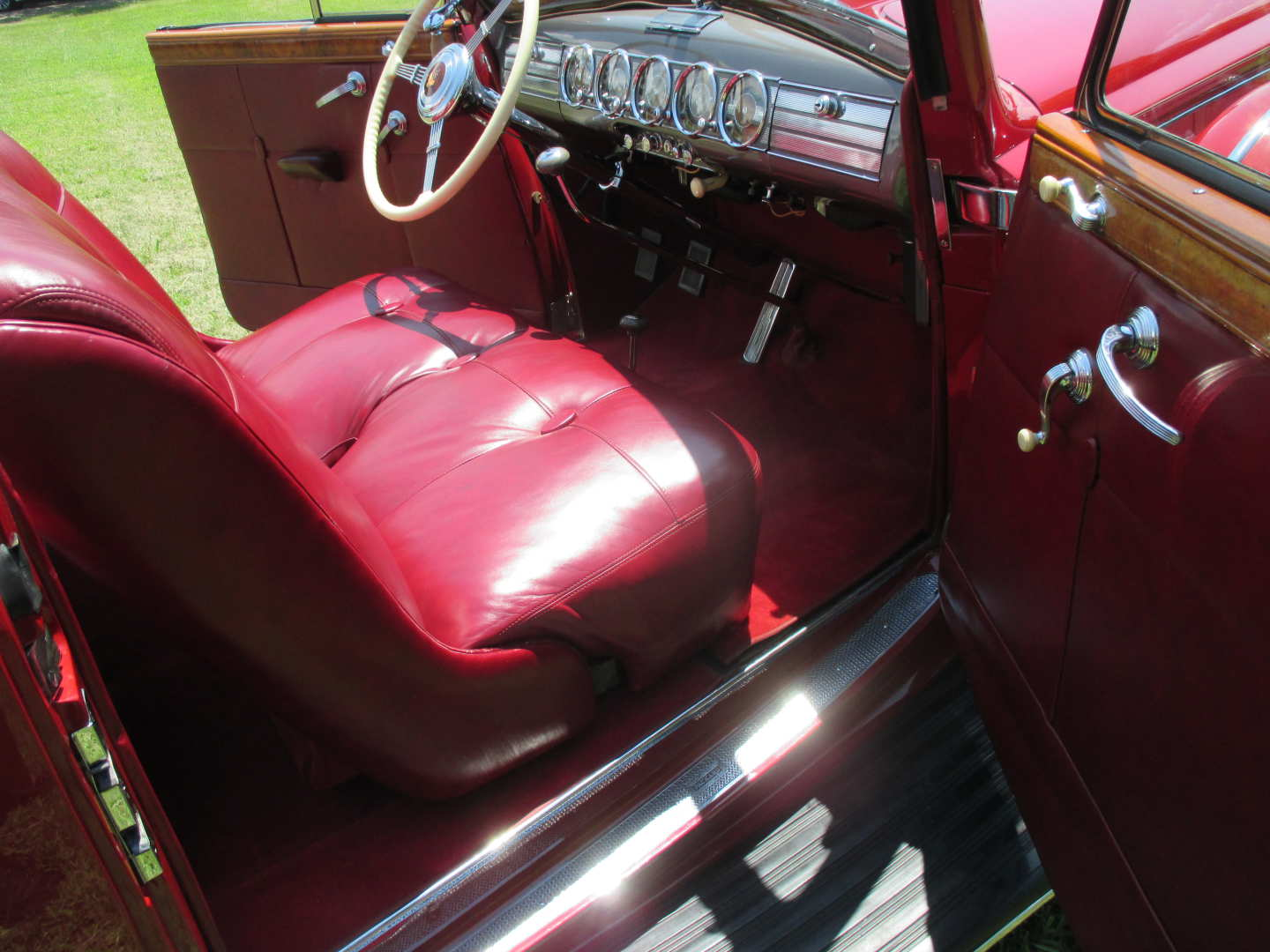 26th Image of a 1938 PACKARD TWELVE VICTORIA