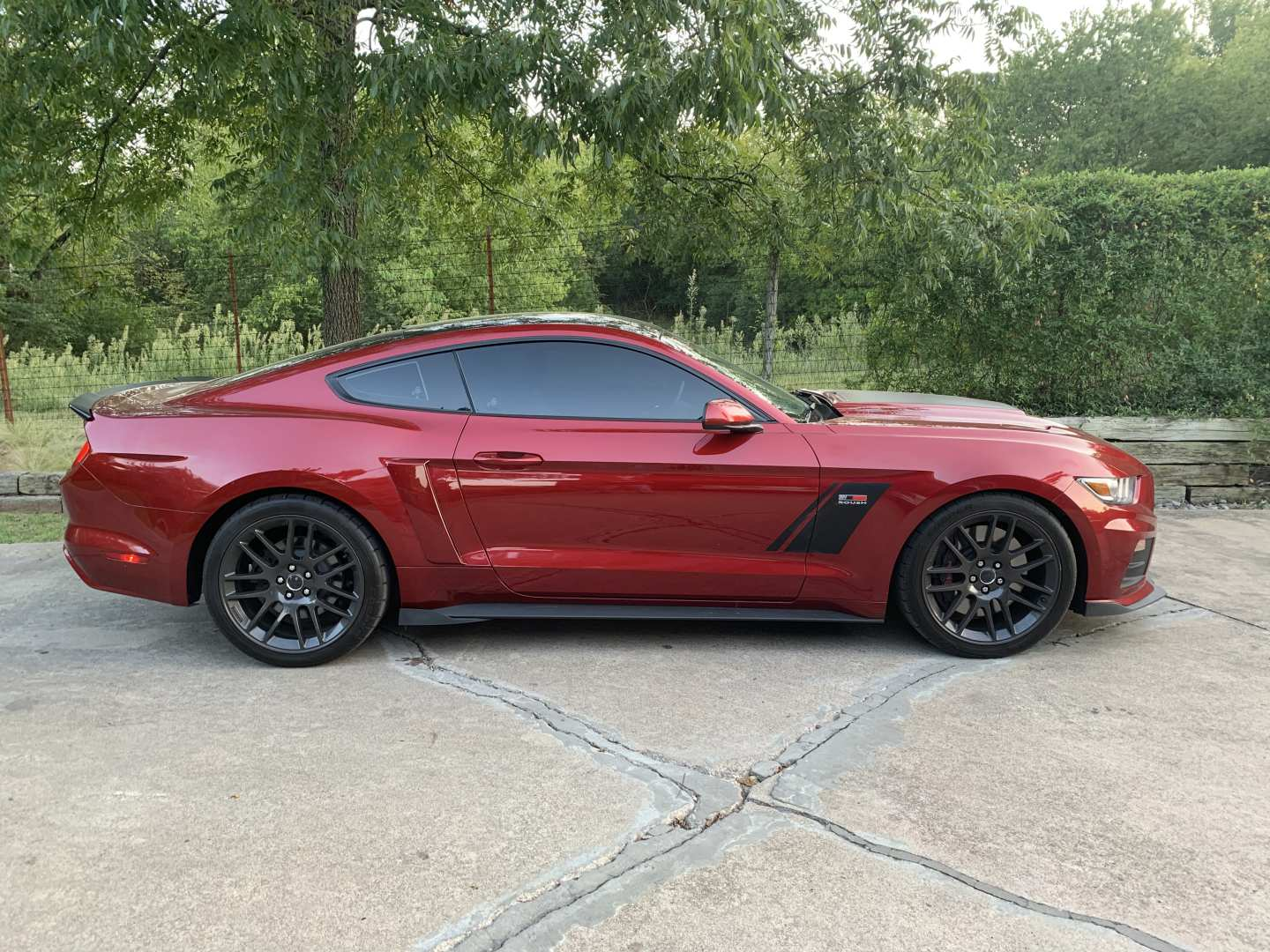 4th Image of a 2017 FORD MUSTANG GT