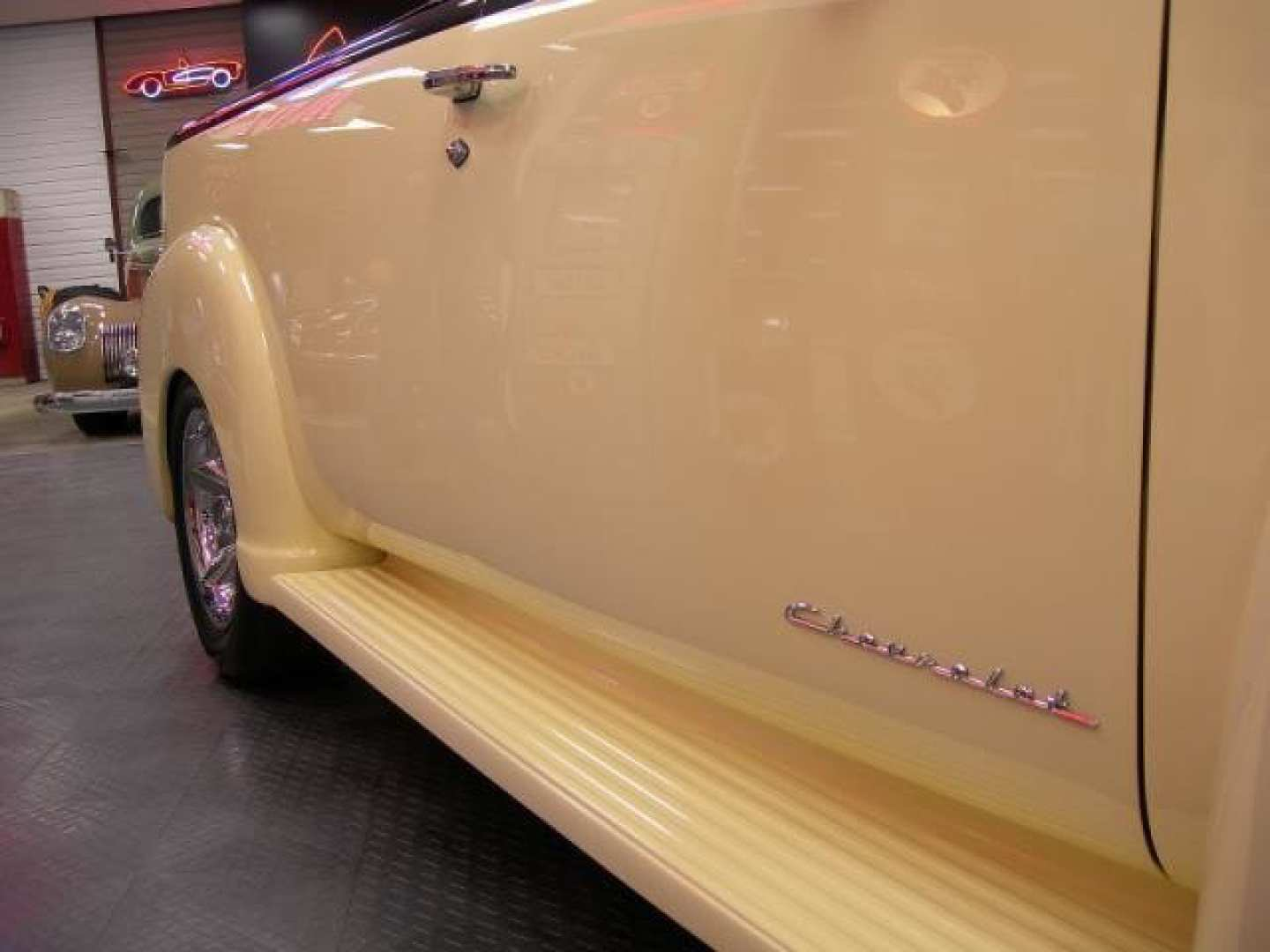 22nd Image of a 1950 CHEVROLET 5 WINDOW