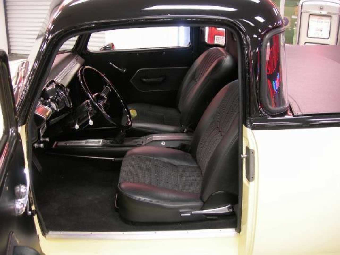19th Image of a 1950 CHEVROLET 5 WINDOW