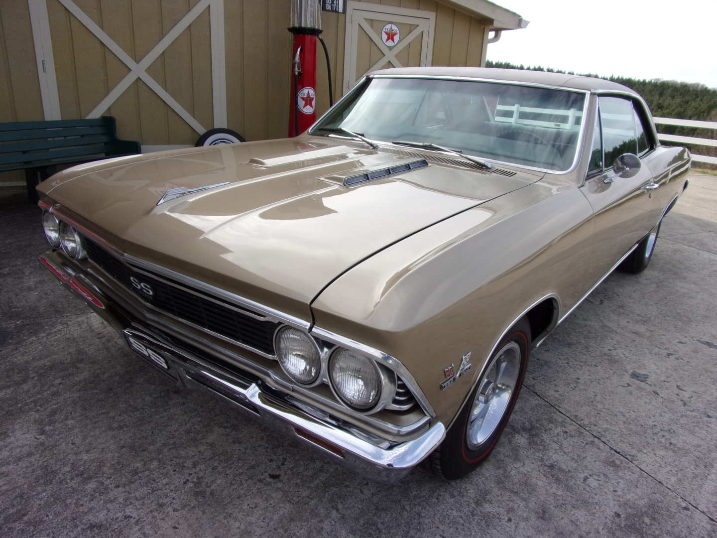 1st Image of a 1966 CHEVROLET CHEVELLE