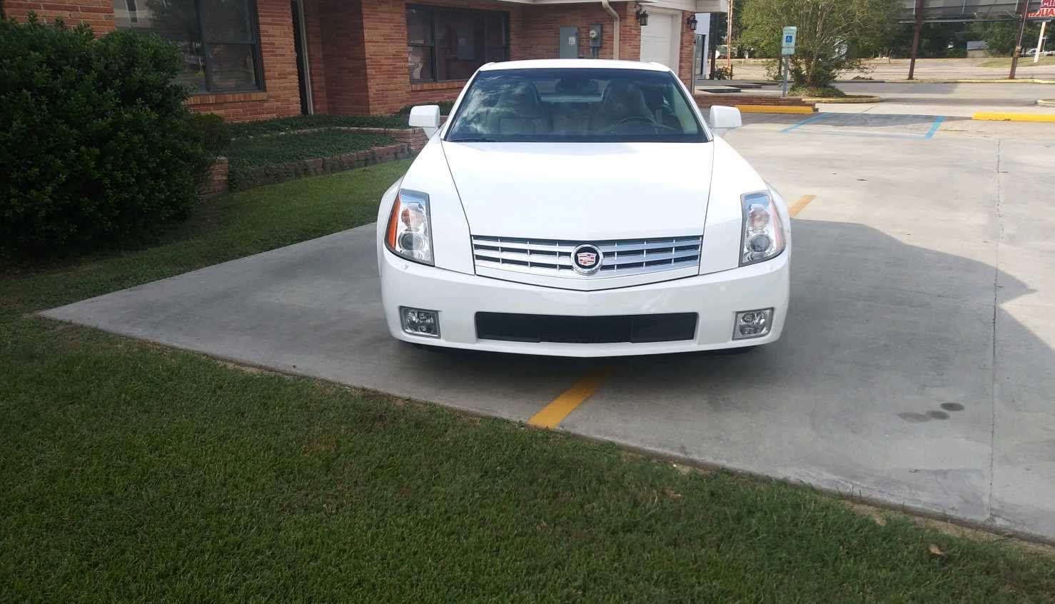 2nd Image of a 2008 CADILLAC XLR ROADSTER