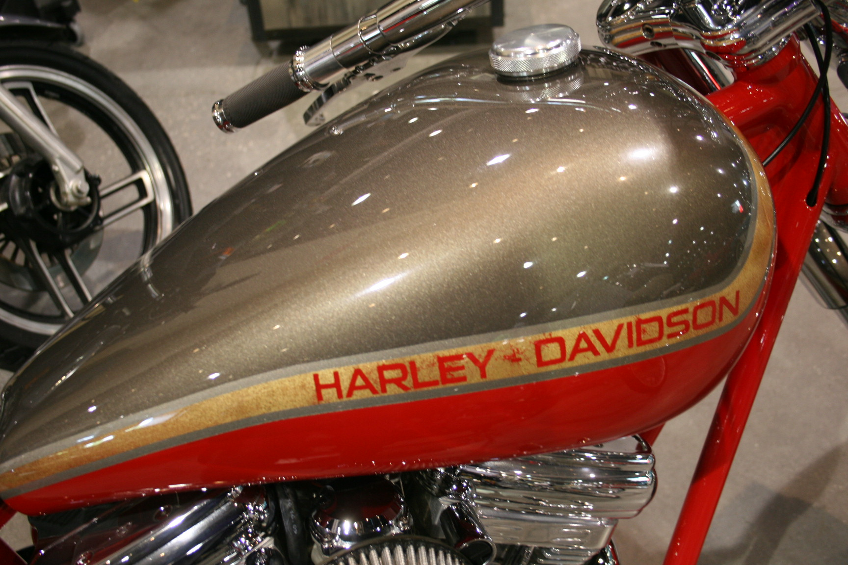 4th Image of a 2001 HARLEY MOTORCYCLE