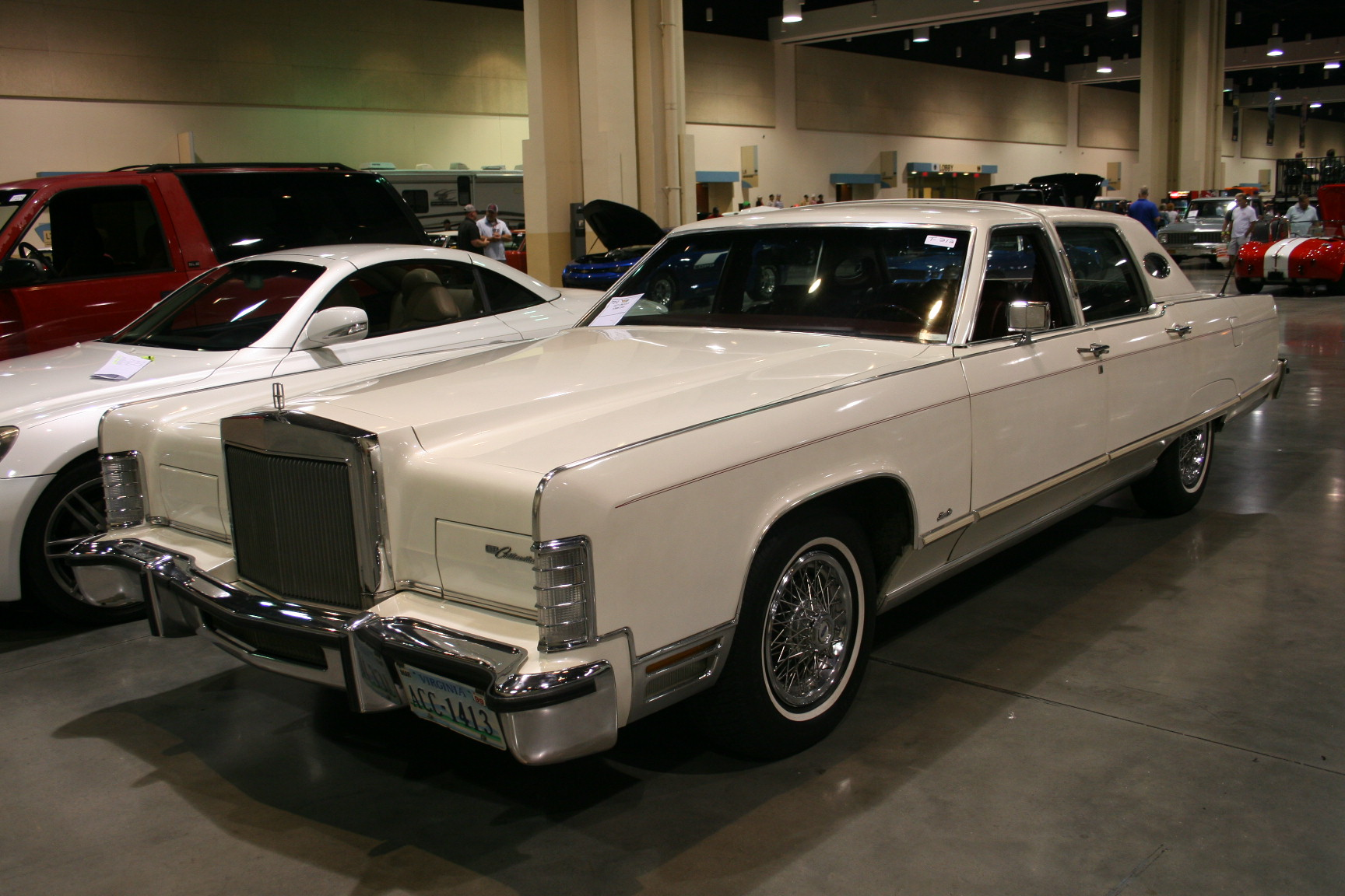 11th Image of a 1977 LINCOLN TOWN CAR