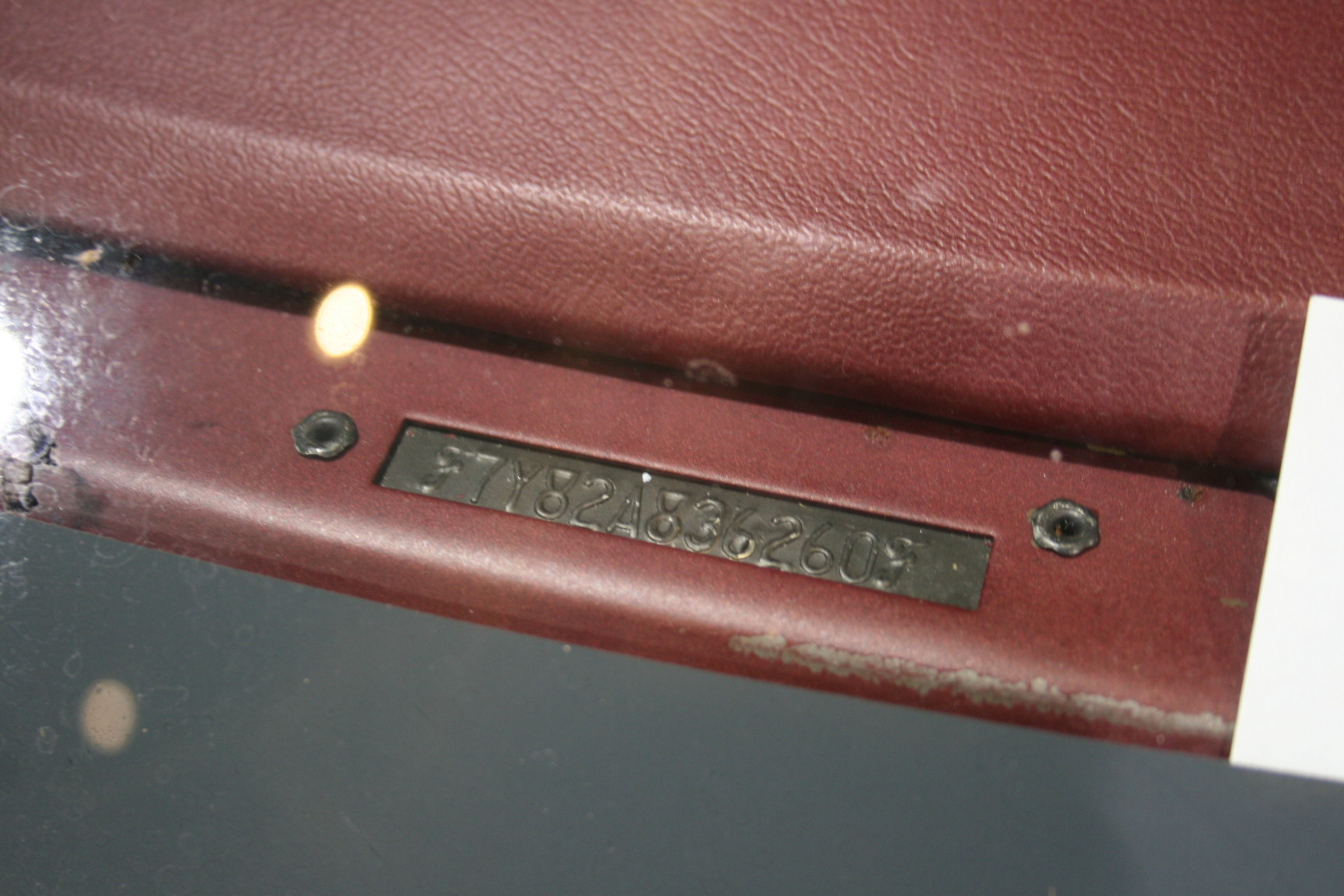 5th Image of a 1977 LINCOLN TOWN CAR