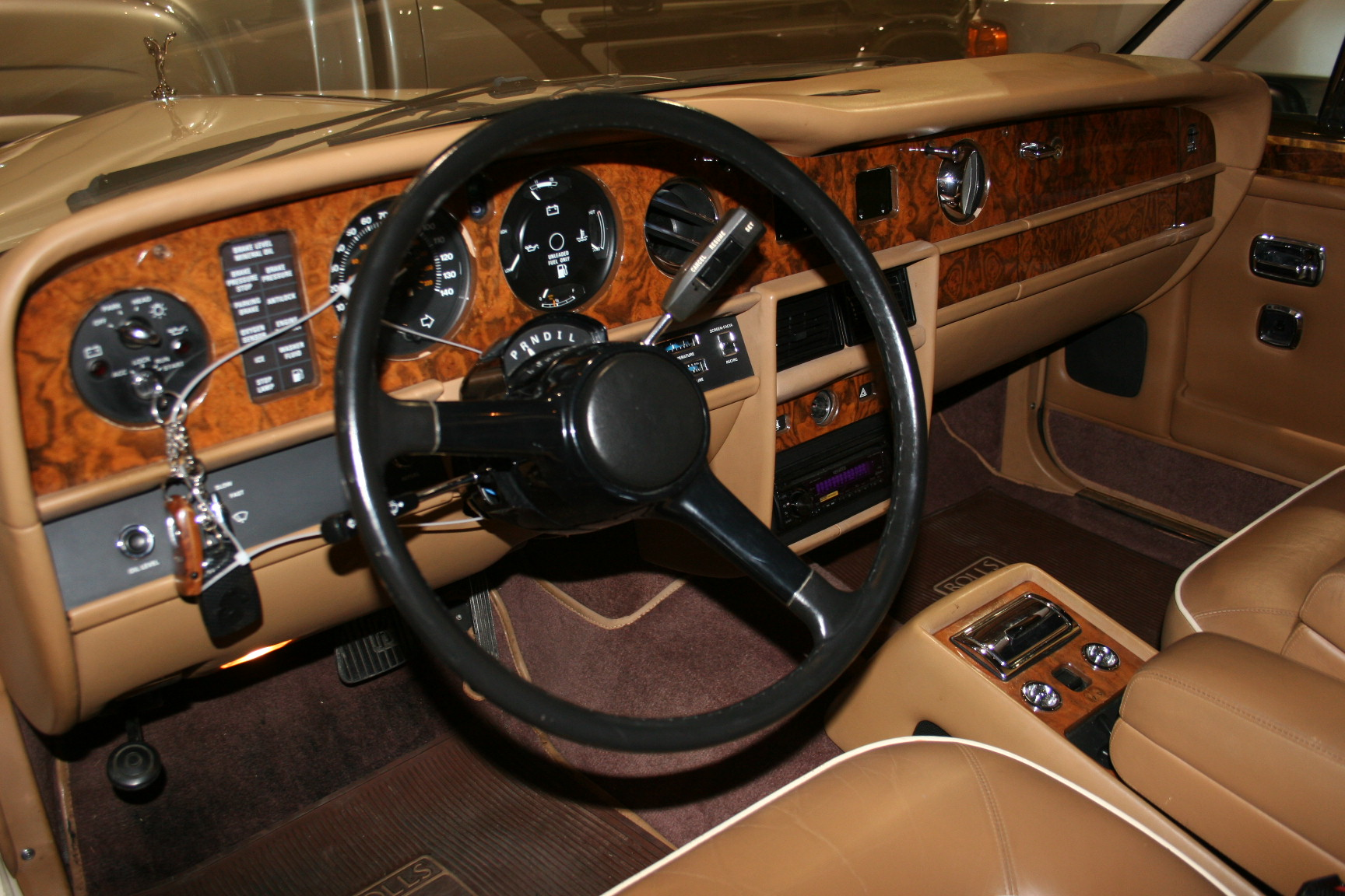 8th Image of a 1988 ROLLS ROYCE SILVER SPUR