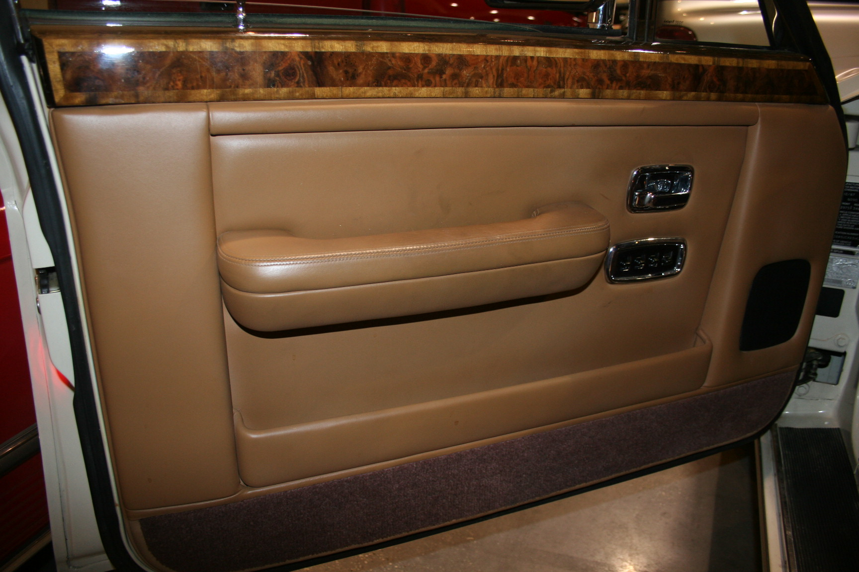 14th Image of a 1988 ROLLS ROYCE SILVER SPUR
