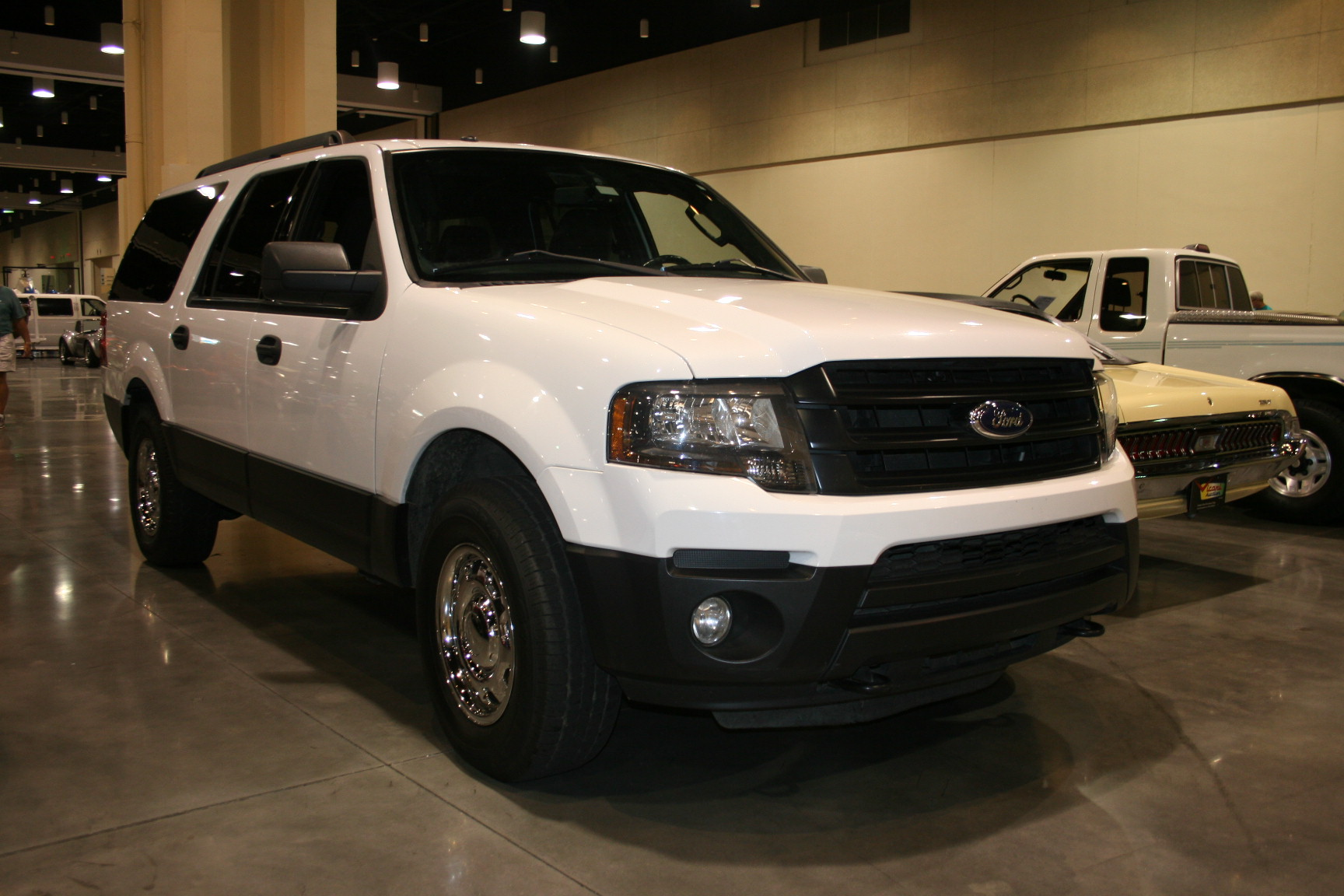 7th Image of a 2015 FORD EXPEDITION EL XLT