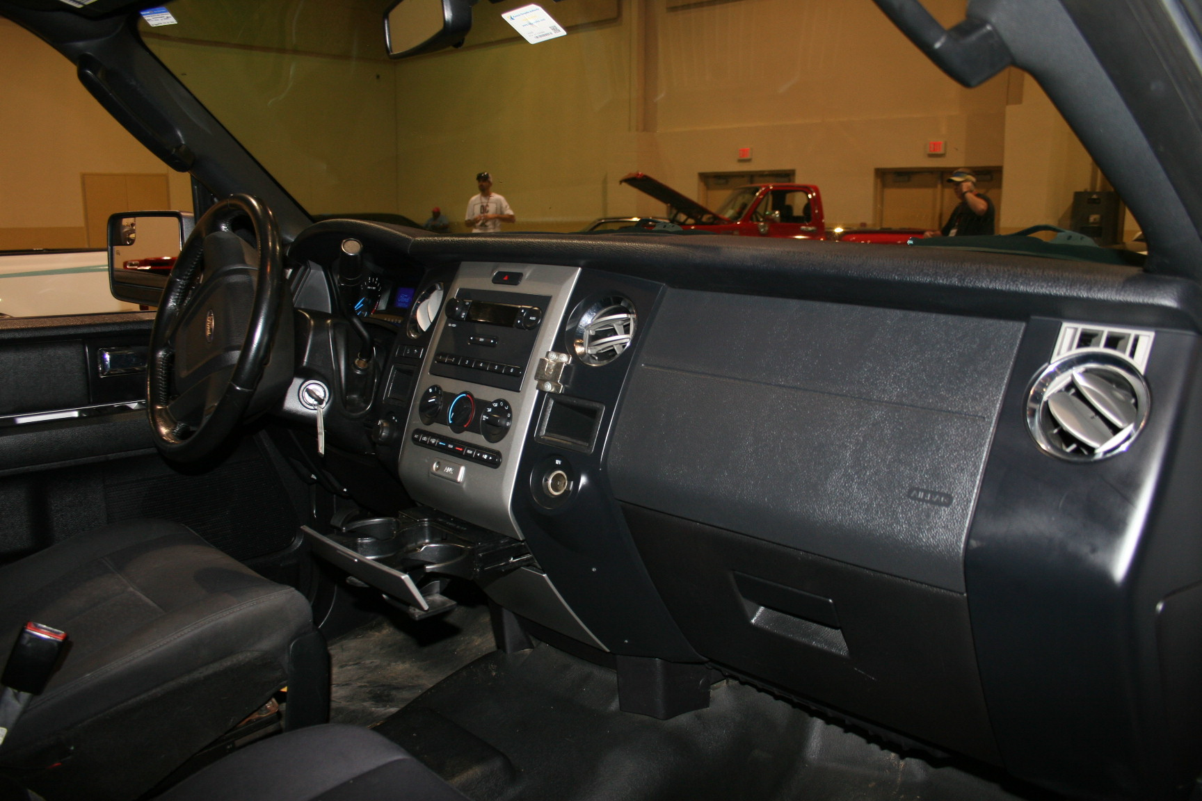 5th Image of a 2015 FORD EXPEDITION EL XLT