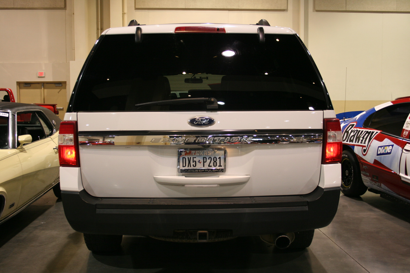 3rd Image of a 2015 FORD EXPEDITION EL XLT