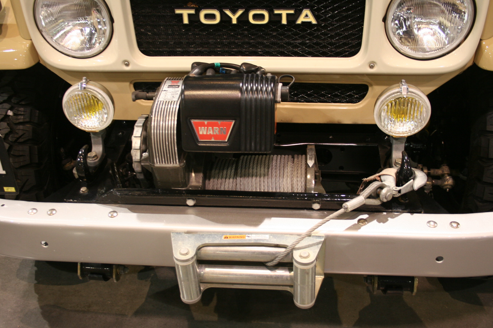 2nd Image of a 1982 TOYOTA LANDCRUISER
