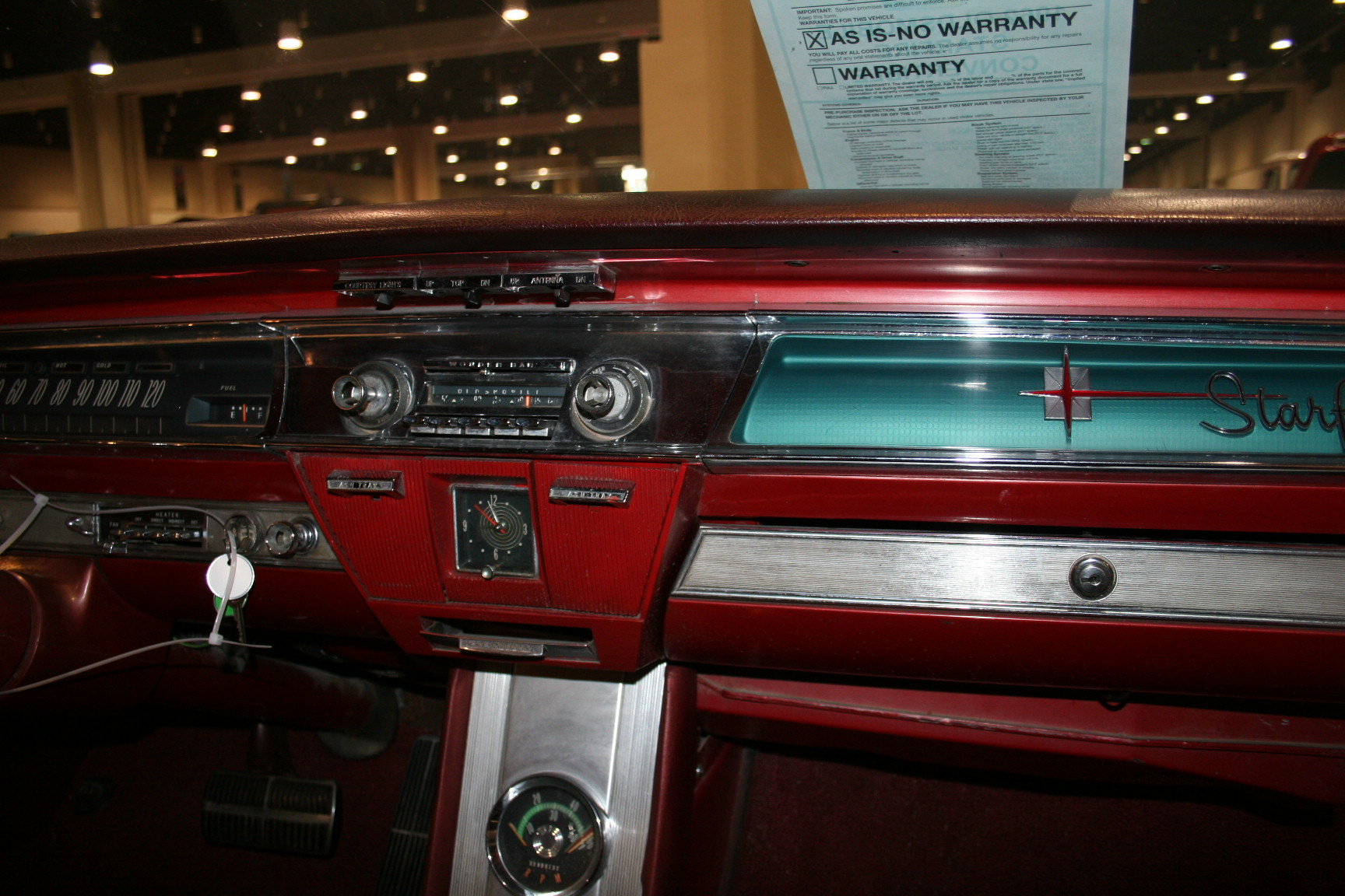 6th Image of a 1962 OLDSMOBILE STARFIRE