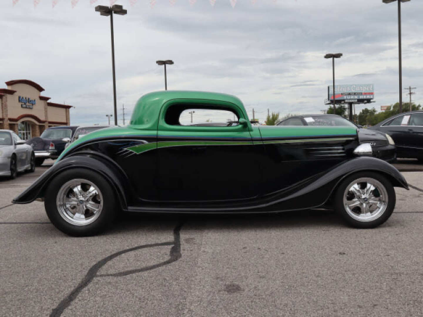 15th Image of a 1933 FORD COUPE