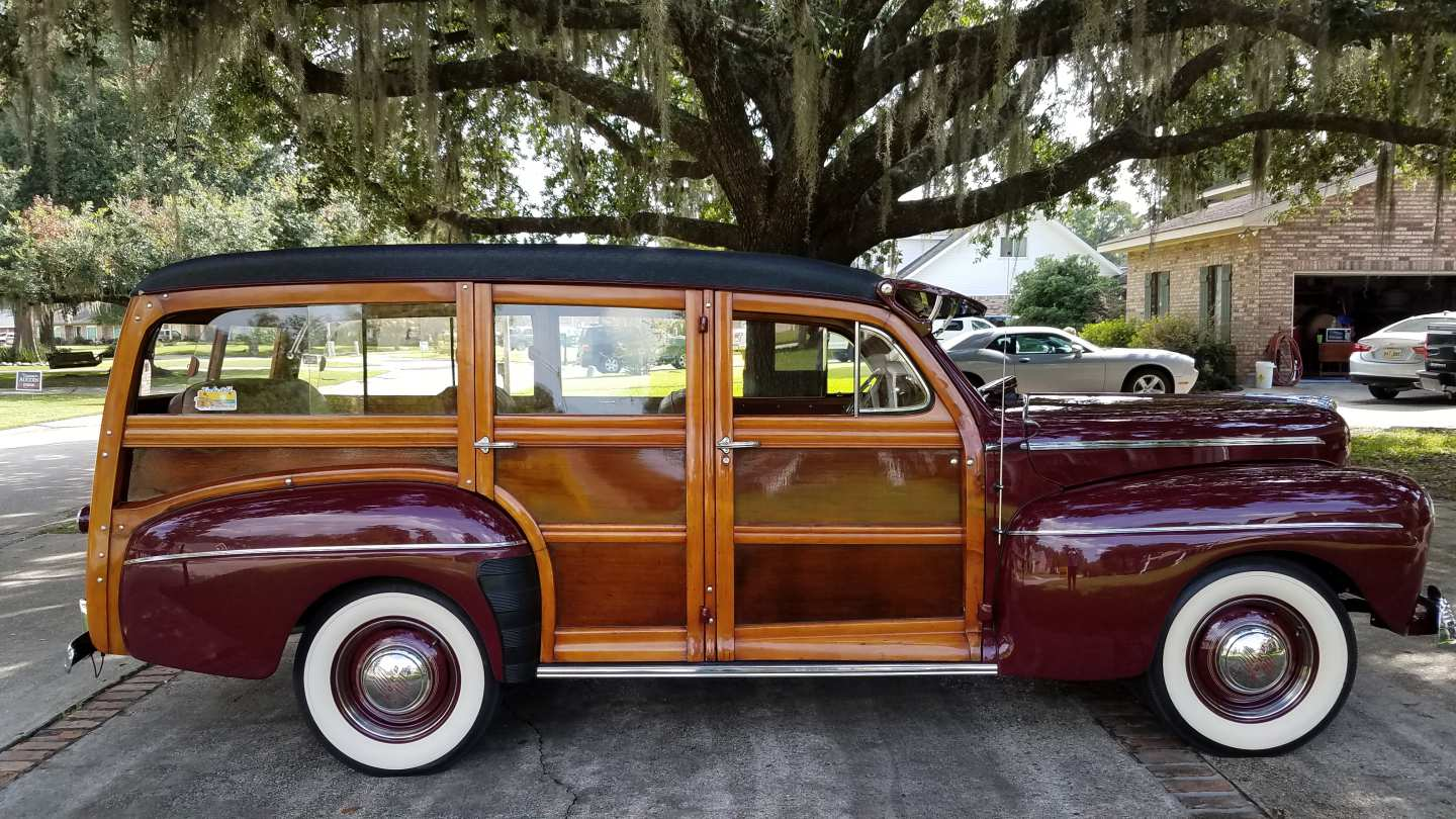 3rd Image of a 1947 FORD SUPER DELUXE