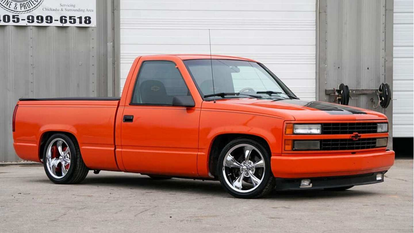 2nd Image of a 1993 CHEVROLET SHORT WIDE