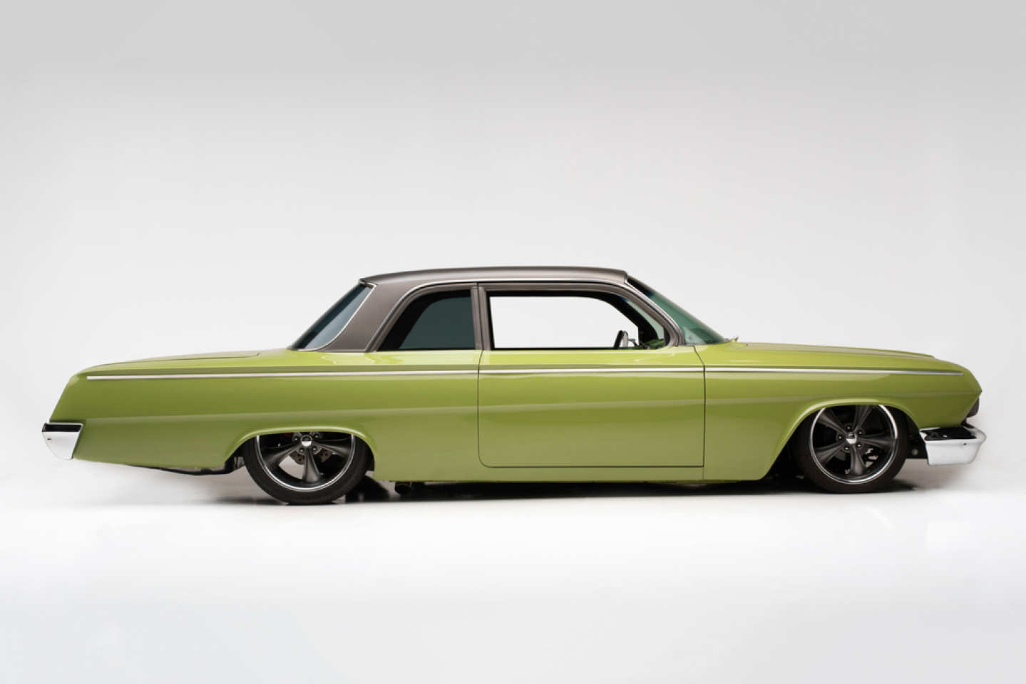 2nd Image of a 1962 CHEVROLET BISCAYNE
