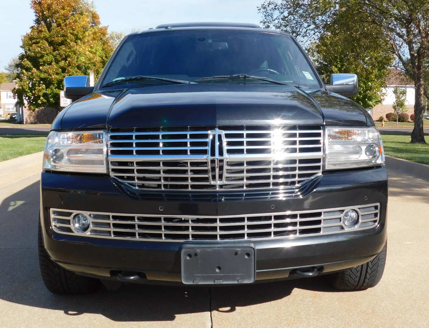 3rd Image of a 2014 LINCOLN NAVIGATOR