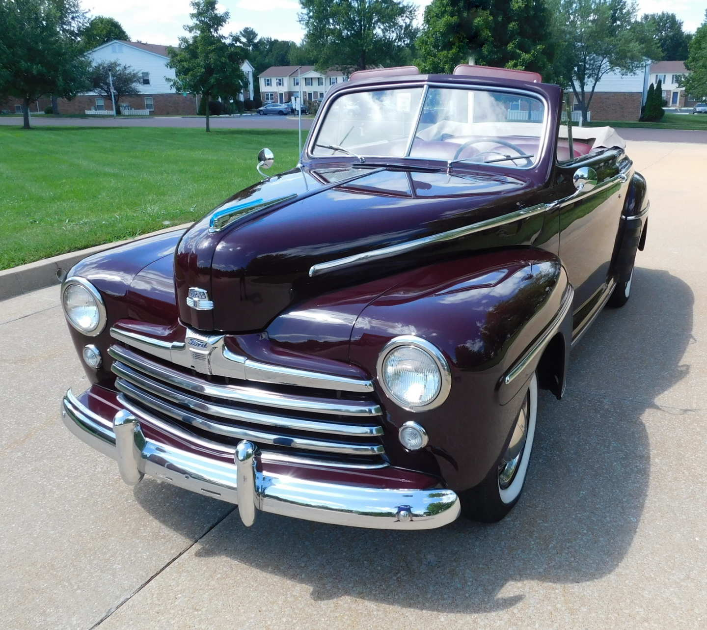 2nd Image of a 1948 FORD SUPER DELUXE