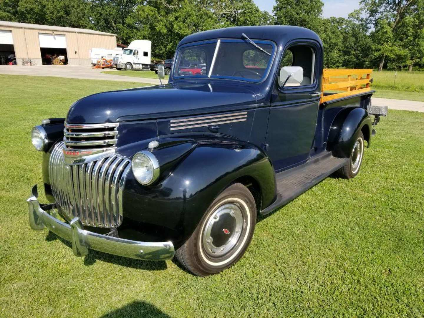 2nd Image of a 1946 CHEVROLET 3100