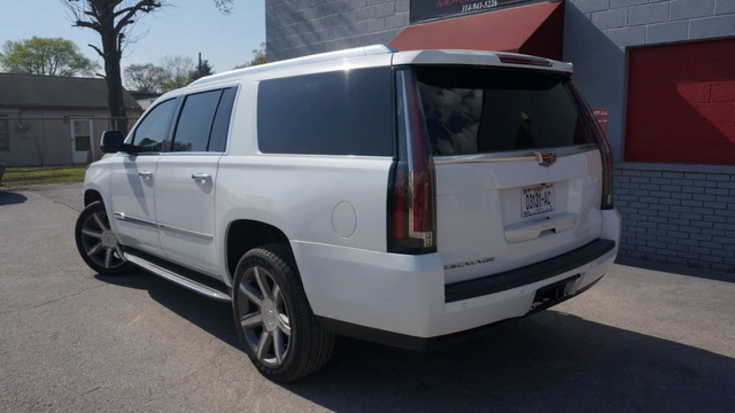 2nd Image of a 2016 CADILLAC ESCALADE ESV LUXURY
