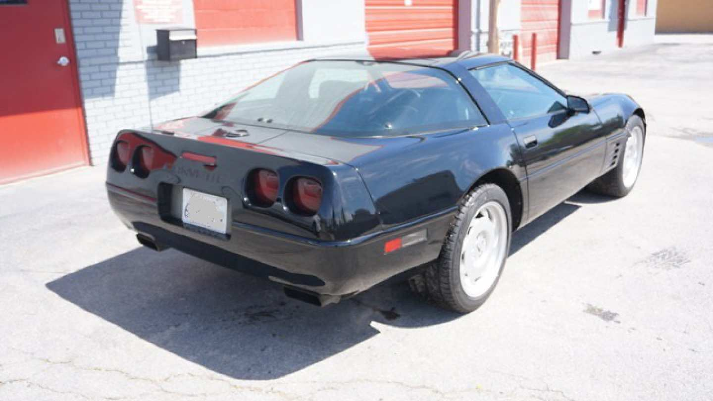 2nd Image of a 1993 CHEVROLET CORVETTE