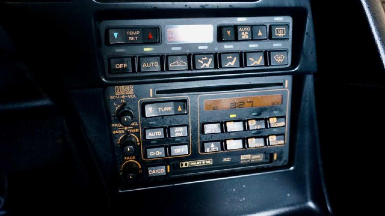11th Image of a 1993 CHEVROLET CORVETTE