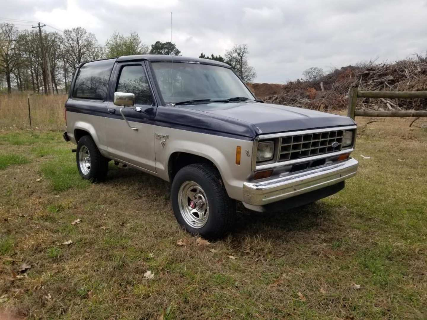 2nd Image of a 1986 FORD BRONCO II