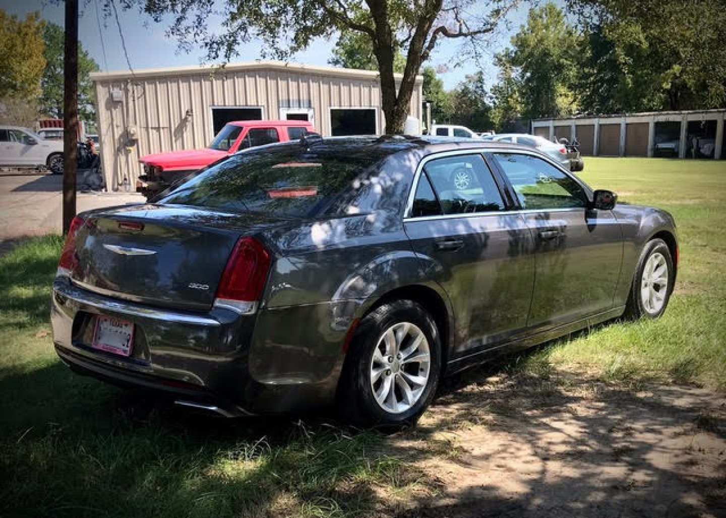 2nd Image of a 2016 CHRYSLER 300