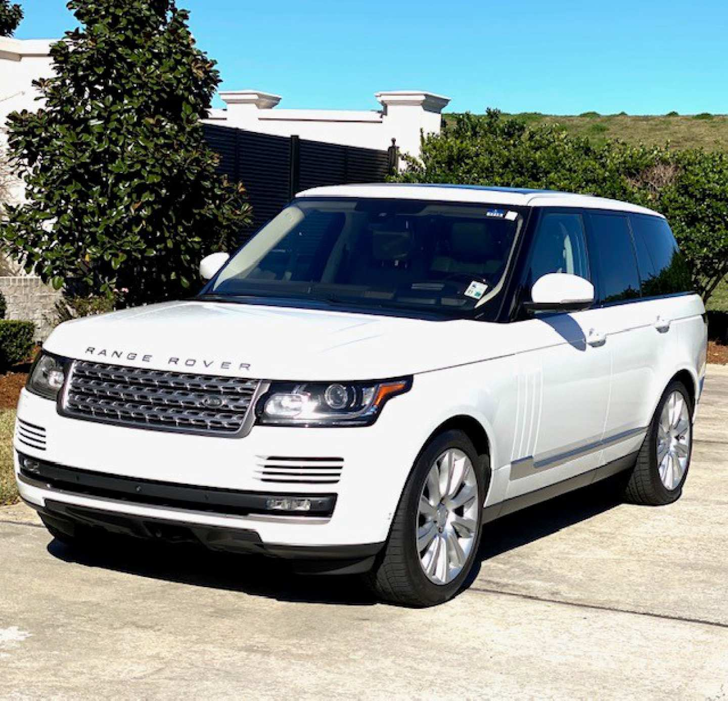16th Image of a 2016 LAND ROVER RANGE ROVER SUPERCHARGED