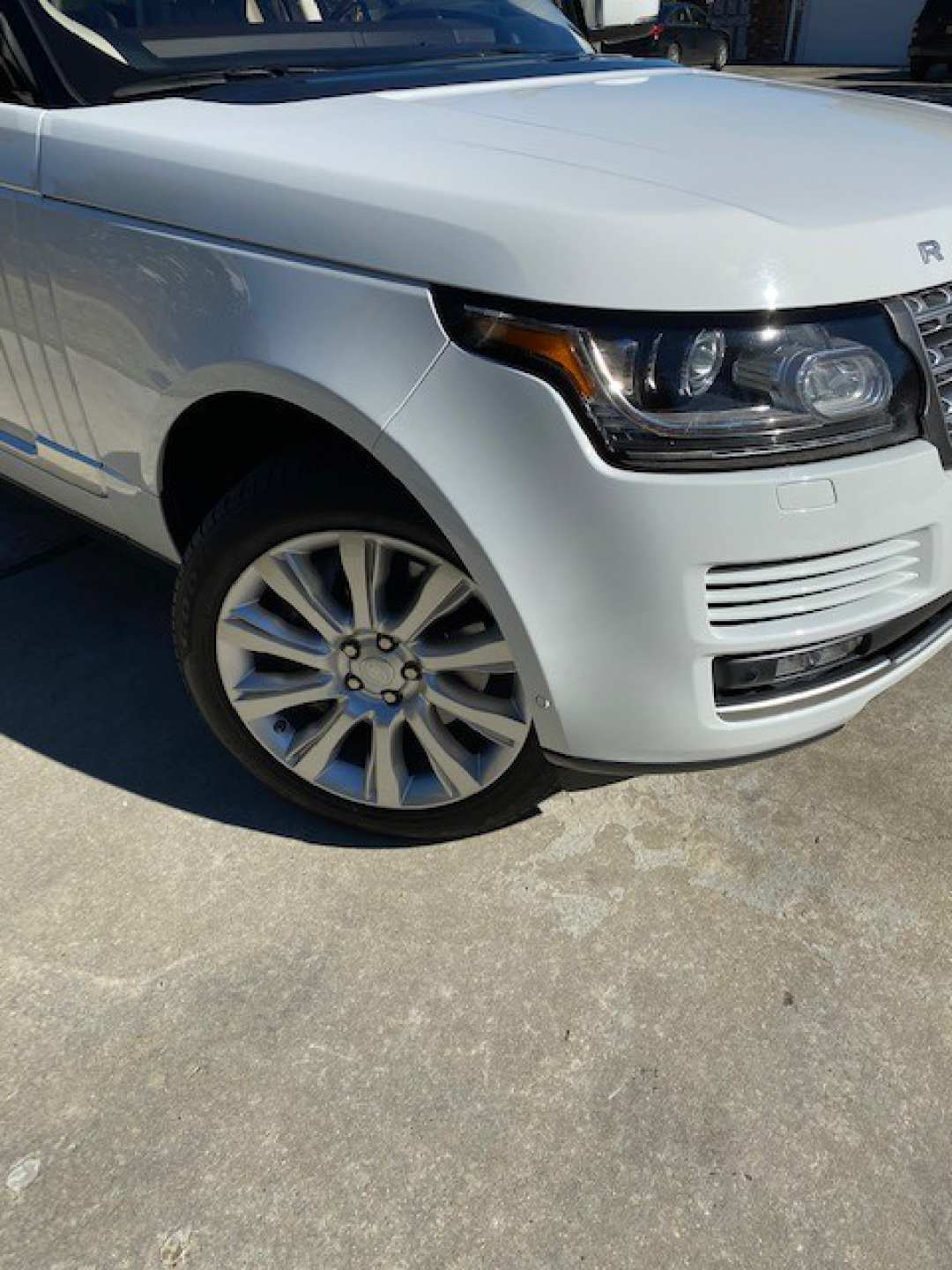 5th Image of a 2016 LAND ROVER RANGE ROVER SUPERCHARGED