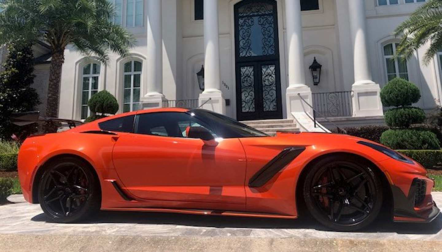 4th Image of a 2019 CHEVROLET CORVETTE ZR1 PREMIUM 3ZR