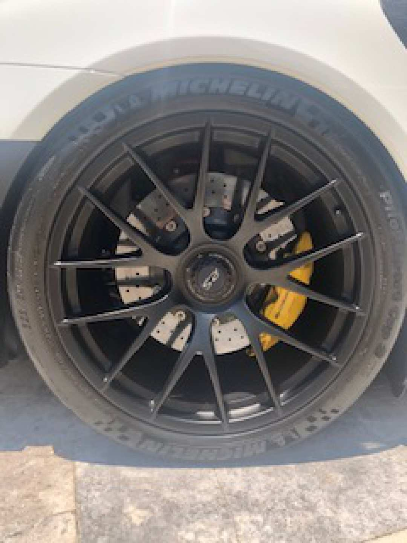 20th Image of a 2018 PORSCHE 911 GT2 RS