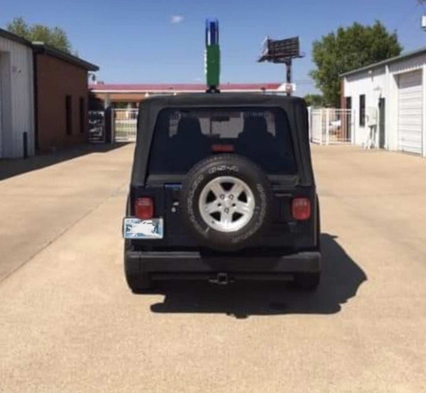 3rd Image of a 2005 JEEP WRANGLER