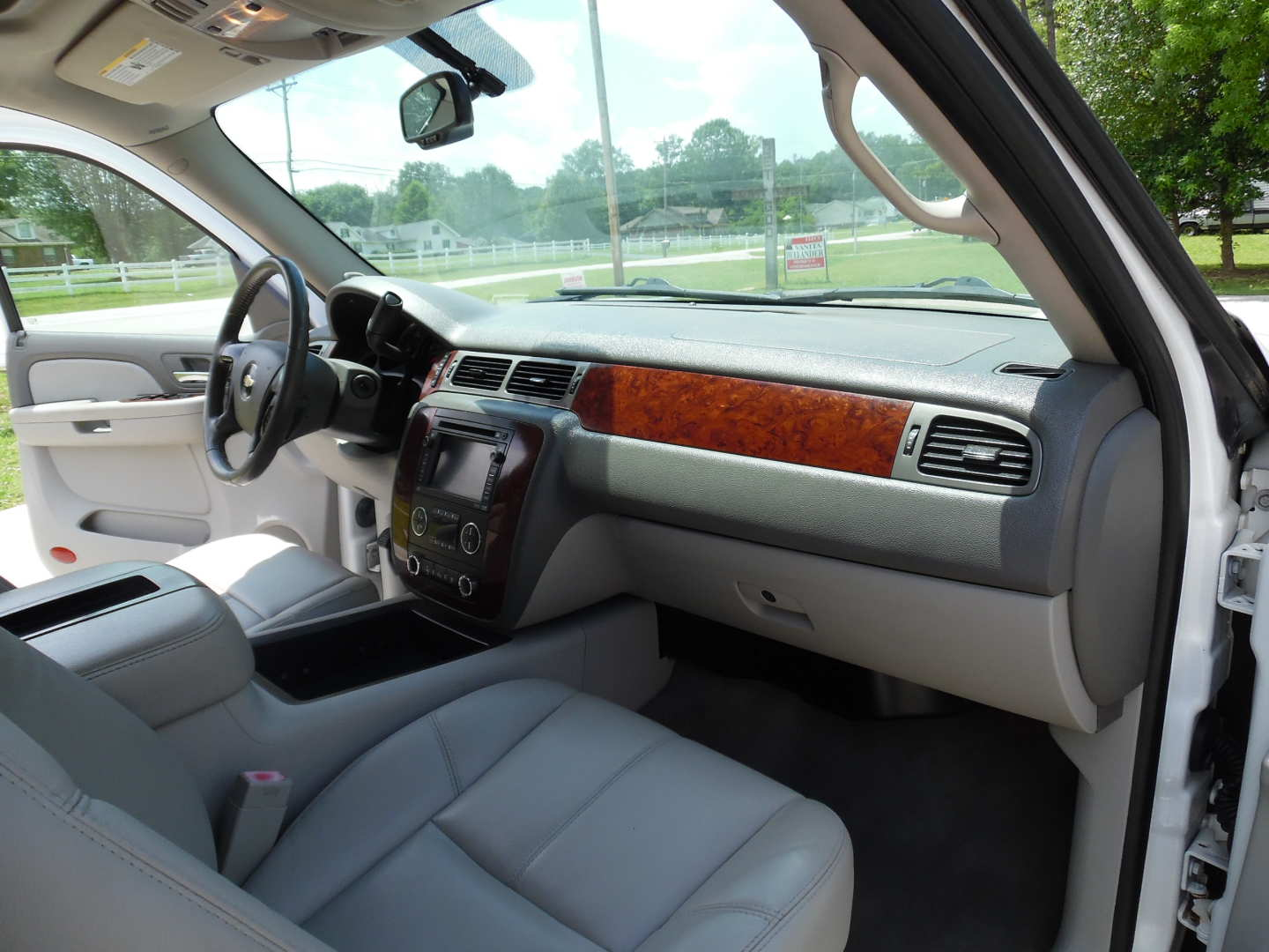7th Image of a 2009 CHEVROLET TAHOE LT