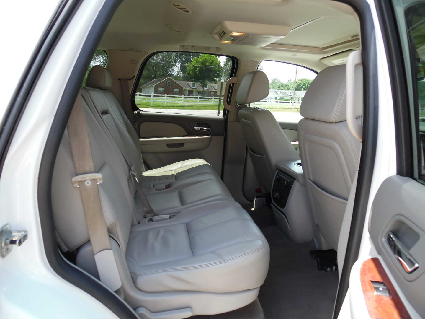 9th Image of a 2009 CHEVROLET TAHOE LT