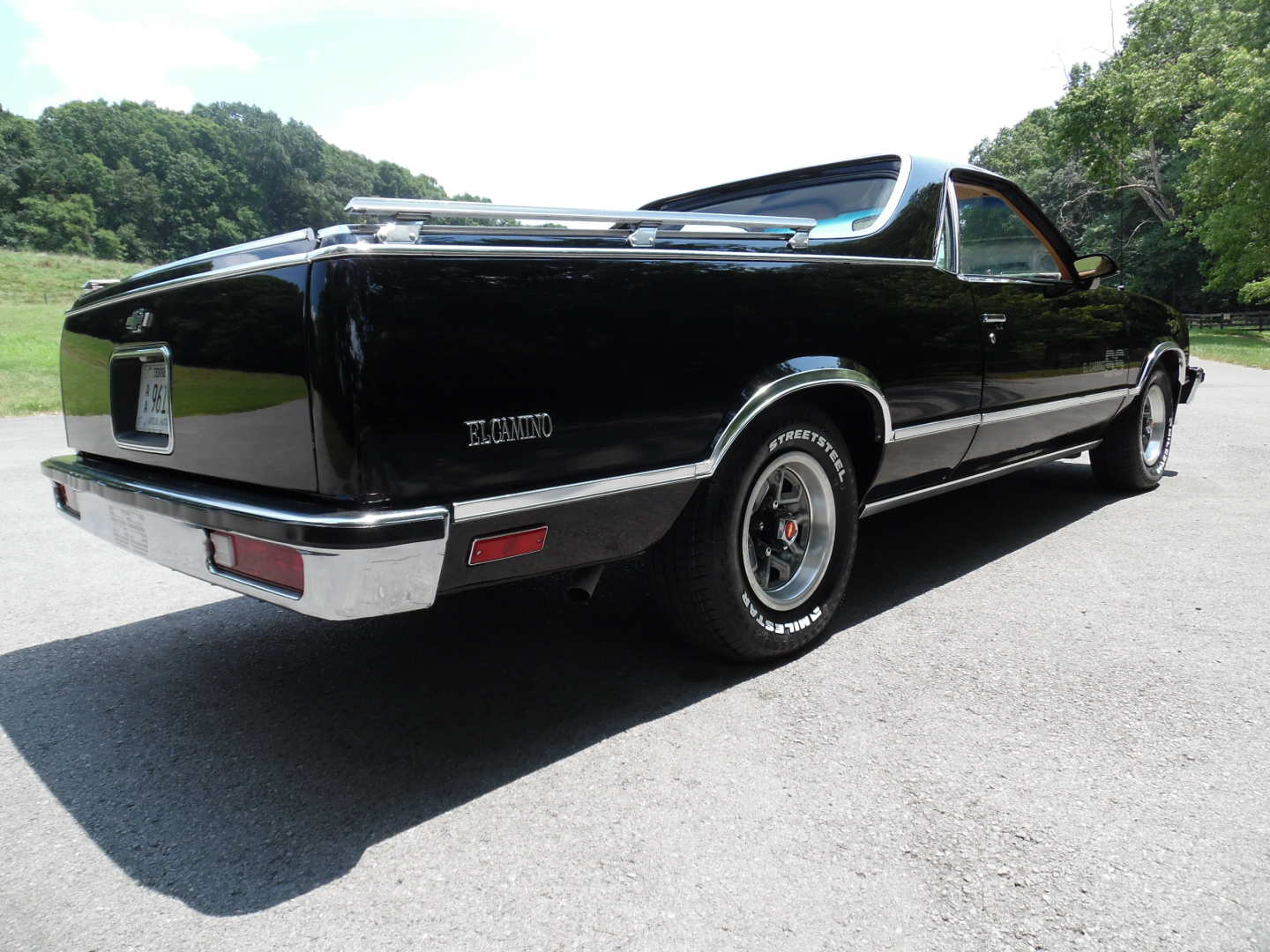4th Image of a 1987 CHEVROLET EL CAMINO