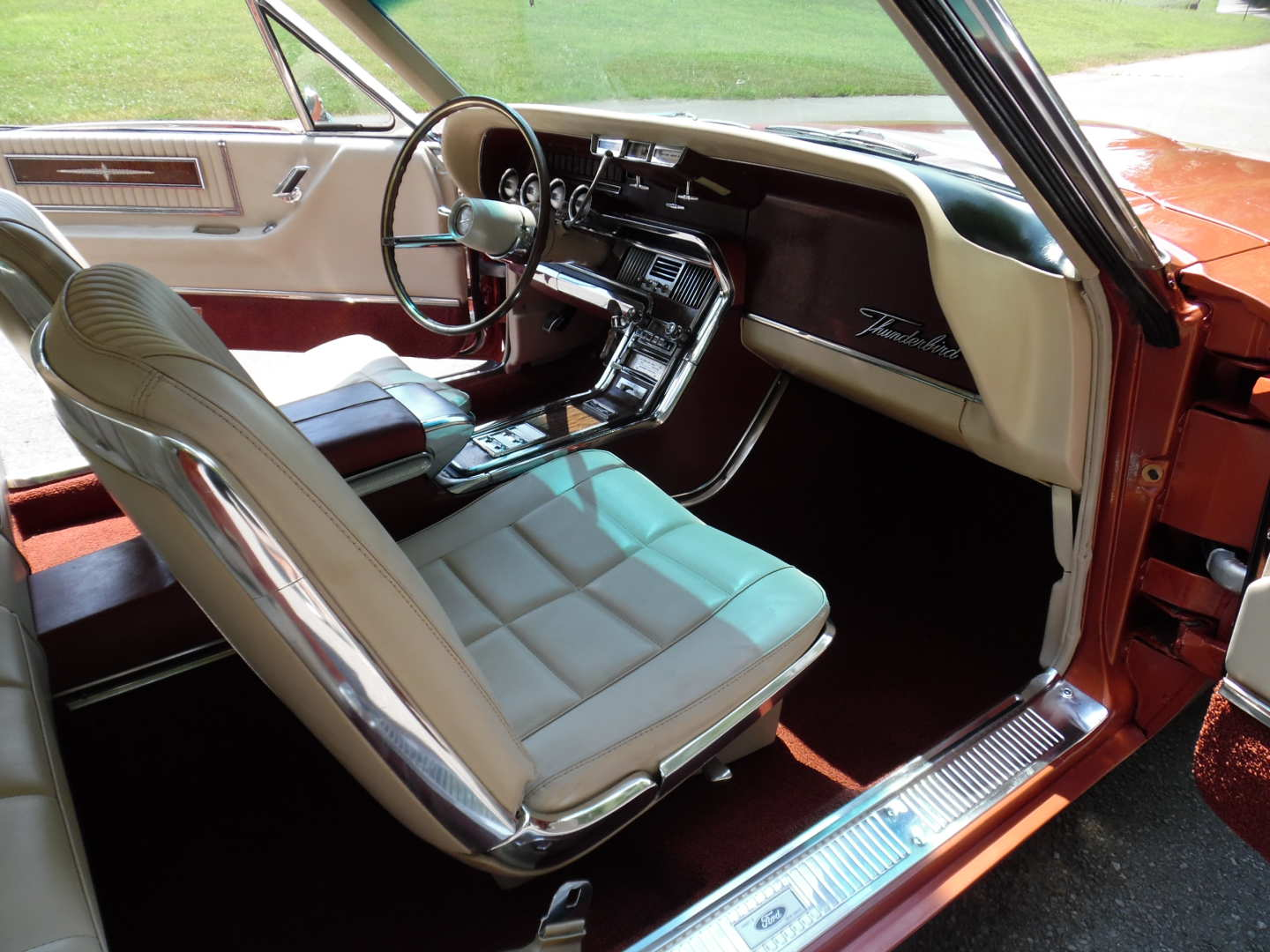 16th Image of a 1966 FORD THUNDERBIRD
