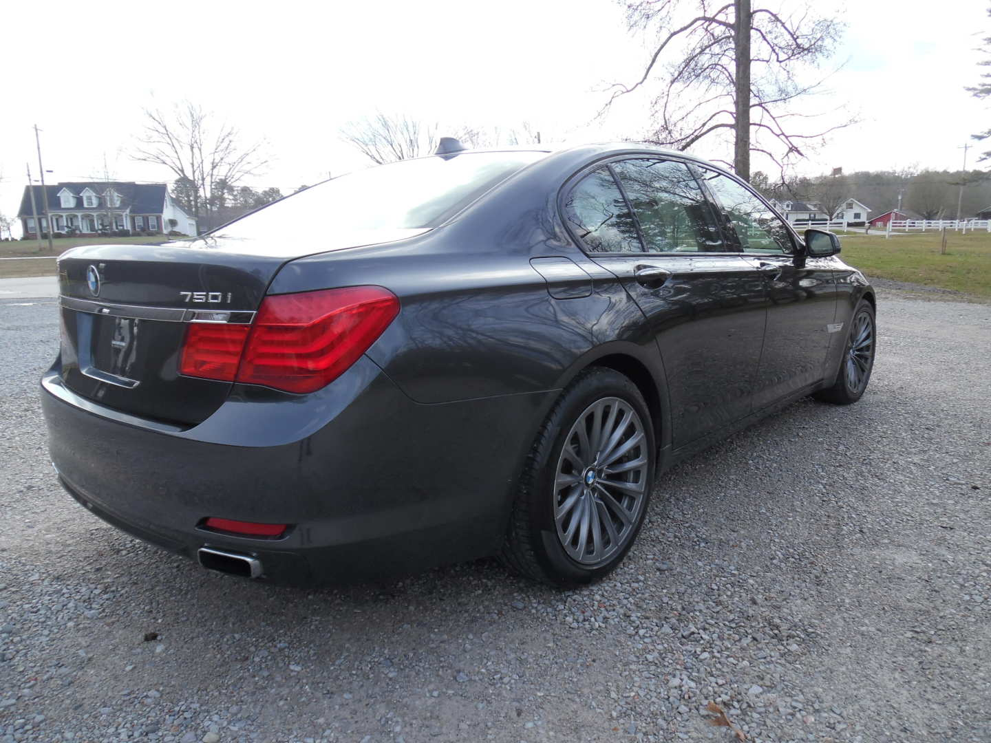 2nd Image of a 2009 BMW 750IL