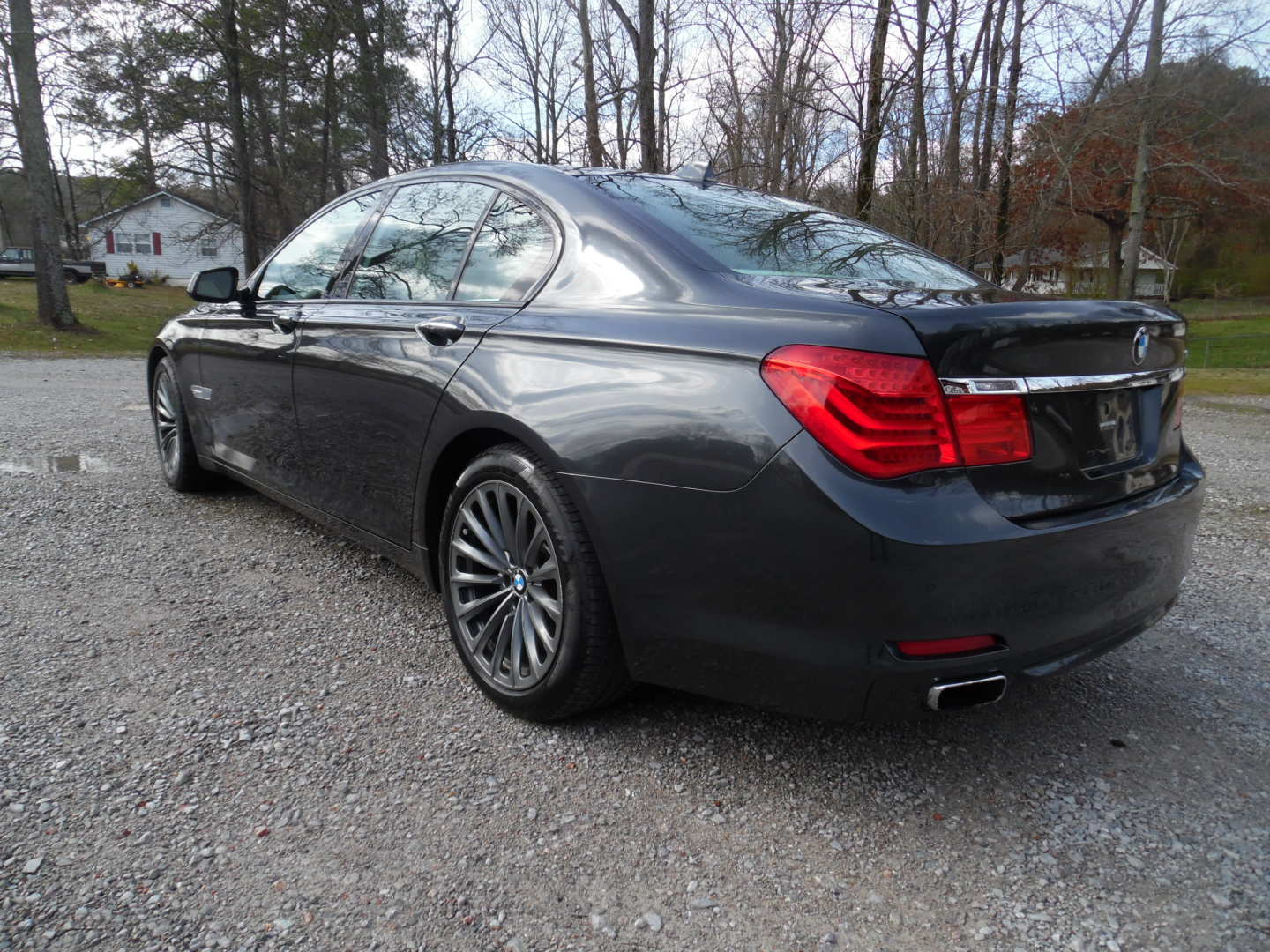 4th Image of a 2009 BMW 750IL