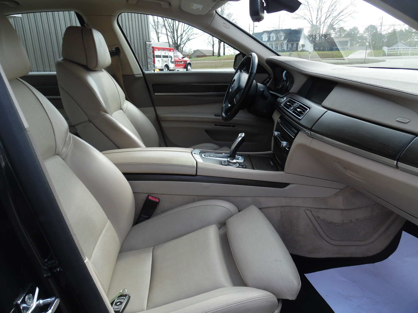 7th Image of a 2009 BMW 750IL
