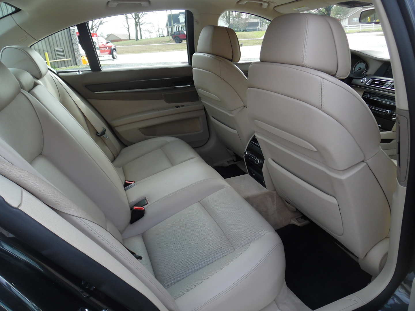 9th Image of a 2009 BMW 750IL